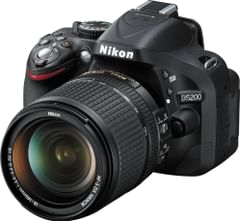 Nikon D5200 DSLR Camera (AF-S 18-140mm VR Kit lens)