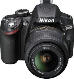 Nikon D3200 SLR (AF-S 18-55mm VR Kit Lens)