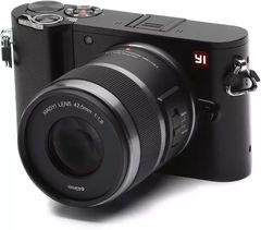 Xiaomi Yi M1 Mirrorless Camera (12-40mm Kit Lens)